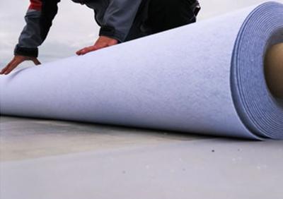 Kunststoffbahnen verlegen vom Dachdecker Berlin